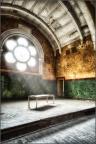 Beelitz Heilstätten - Bühne mit Bett