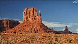 monument-valley-linker-Handschuh-sonne