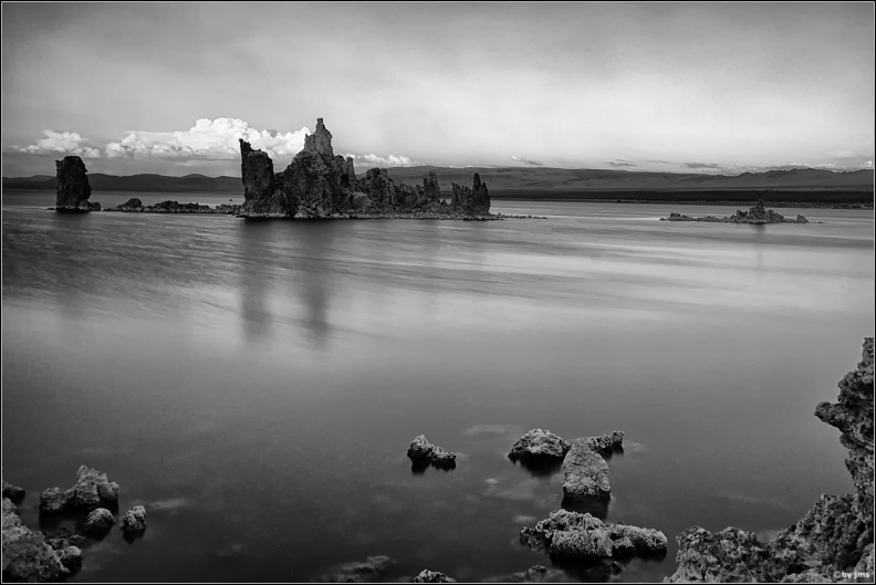 sunset-mono-lake-bw.jpg