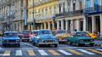 Alte Autos in Havanas Staßenbild